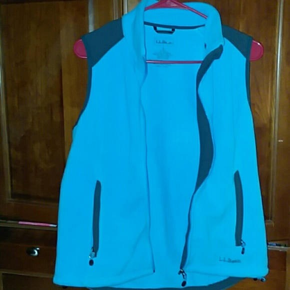 L.L. Bean Jackets & Blazers - Ladies small short sleeve vest worn handful times